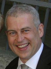 Dr. Wolfgang Mueller - Dental Clinic in Switzerland