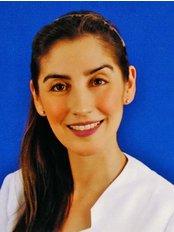 Dr Marianna Culaciati - Dental Clinic in Chile
