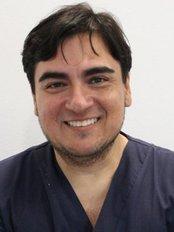 CastellDent Clinica Dental - Dr. Ruben Lopez - Oral rehabilitator and oral surgery
