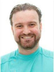 Aviles y Roman - Clinica Dental Malaga - Manuel Roman