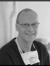 Erik Lontoft Plastikkirurgi - Dr. Erik Løntoft