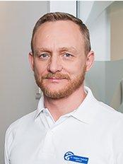 Zahnärzte Zentrum Lachen AG - Dr. med. dent. Adalbert Trefonski