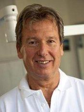 Dental Implant Point London - Dr Istavan Balogh