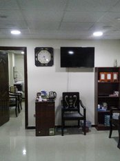dr. hisham elbadan clinic - waiting area