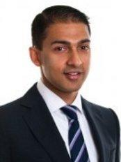 Dr. Nikhil Kumar - Macquarie University - Eye Clinic in Australia