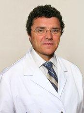 Institut Pelo Vila-Rovira Clinica Transplante de Pelo - Ramon Vila-Rovira