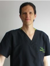 Dr. Carlos Gonzalez Legarda - Plastic Surgery Clinic in Colombia