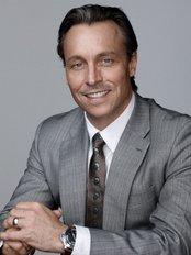 Dr William Mooney - Bondi Junction - Medical Aesthetics Clinic in Australia