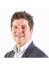 Refine Plastic Surgeons - Dr Kenneth Stewart