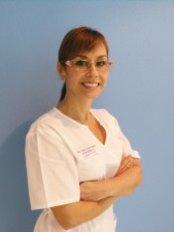 Clínica dental San Salvador - Dental Clinic in Spain