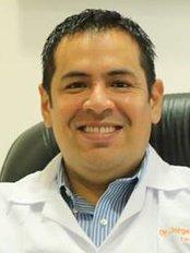 Dr. Jorge Saldaña Gallo - Urology Clinic in Peru