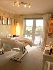 Waters Edge Clinic - Private and secluded treatment room with easy parking