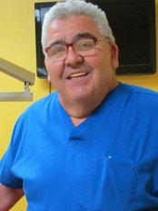 Dental World - Dr.Carlos Fuentes