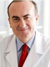 Dr. Esteban Sarmentero - Plastic Surgery Clinic in Spain
