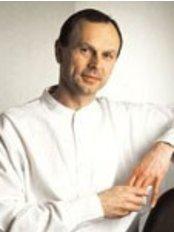 Dr. E. Christoph Sacher - Dental Clinic in Austria