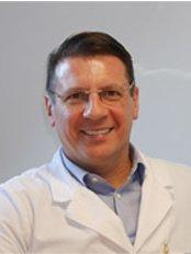 Dr. Pap Péter Plasztikai Sebész - Virányos Klinika - Plastic Surgery Clinic in Hungary