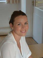 MK Orthotics - Sharon Holroyd, Orthotist, MBAPO, HCPC Registered