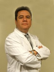 Dr. Hector Vicuña - Plastic Surgery Clinic in Peru