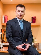 Plastic surgeon - Dr Ntamagkas Mars - Plastic Surgery Clinic in Greece