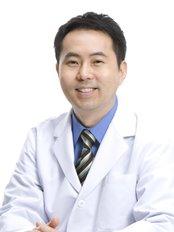 Meiplus Dentalcare-Telok Ayer Branch - Dr Kang Minsok