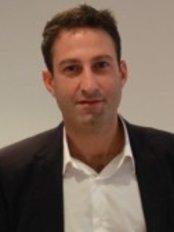 Pond Square Dental Practice - Dr Vatche Kassardjian