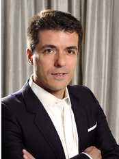 Docteur Gustavo Claveria - Plastic Surgery Clinic in France