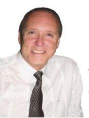 Dr. Paulo Hvenegard - Sao Paulo - Plastic Surgery Clinic in Brazil