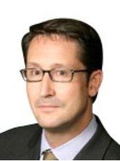 Dr Marcus Niessen - Medical Aesthetics Clinic in Canada