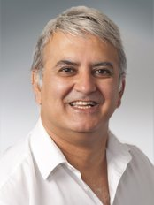 Plymouth Dental Centre of Excellence - Dr Mitesh Badiani
