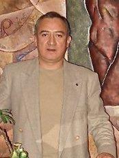 Dr. Fernando Hasfield Arista - Plastic Surgery Clinic in Mexico
