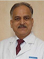 Knee & Shoulder Clinic - J. Maheshwari