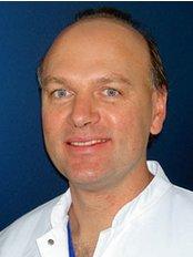 Dr. med. Elmar Schemmerer - Dental Clinic in Germany