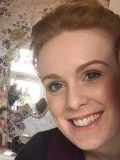 Tweezers Beauty - Beauty Salon in the UK