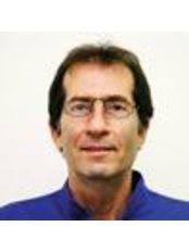 Dr. Uri Zilberman - Petah Tikva - Dental Clinic in Israel
