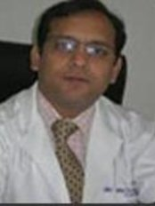 Dr. Reetesh Purwar - Plastic Surgery Clinic in India