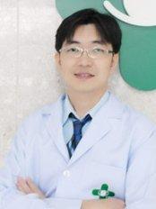 Top Charoen Eye Center - Eye Clinic in Thailand