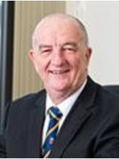 Dr Peter Heathcote - Doctor at Brisbane Urology Clinic - Friendly Society Private Hospital